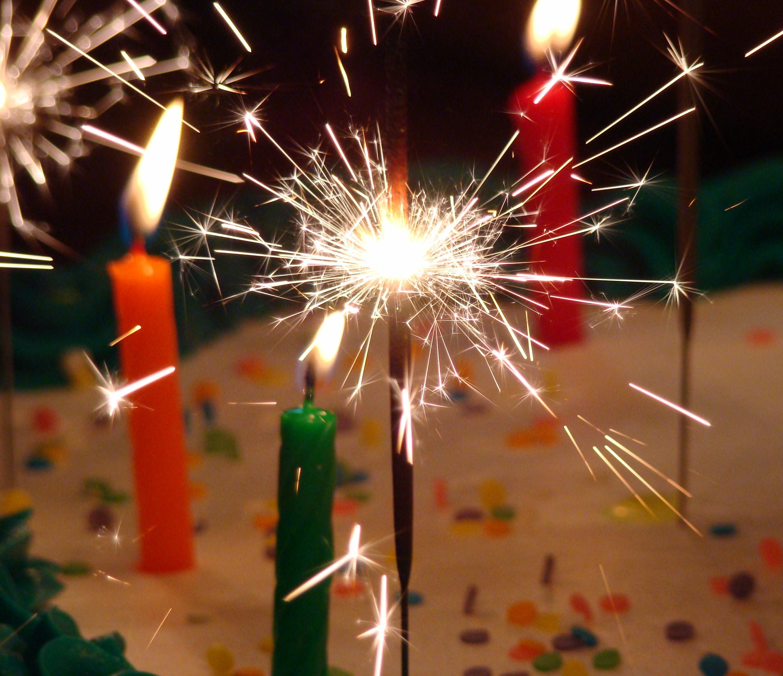 Поздравления с бенгальскими огнями